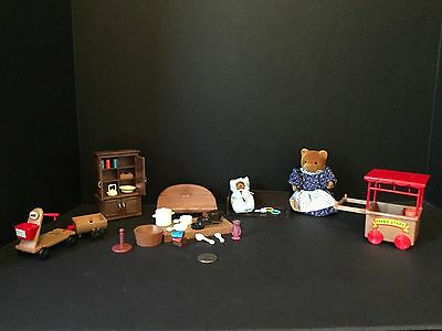 Maple Town Misc.Furniture China Hutch Mini Books Momma & baby bear Etc.