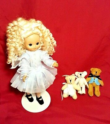 """Tonner Tiny Betsy McCall Betsylocks 8"""" Doll w/ 3 Jointed Bears & Stand RARE"""