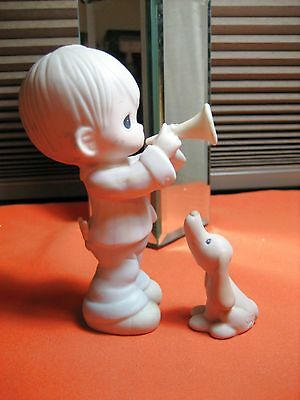 """Precious Moments 2 PC Set #12394 """"He Is My Song 3.5"""" Boy w Trumpet & Howling Dog"""