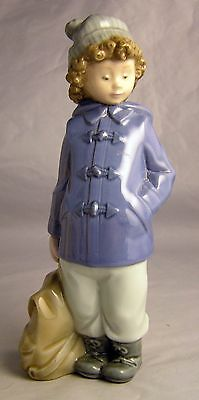 """NAO By Lladro """"READY FOR AN EXCURSION"""" Figurine  #1036"""