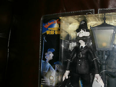 Wallace And Gromit Pc Policeman Figure