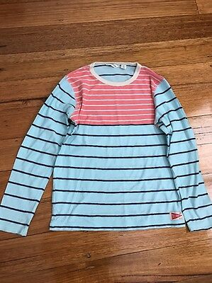 Boys Size 7 Country Road Long Sleeve Top.