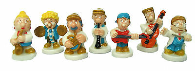 """Wade/Tetley Whimsie Band, set of 7, height approx 1-1 1/2"""""""