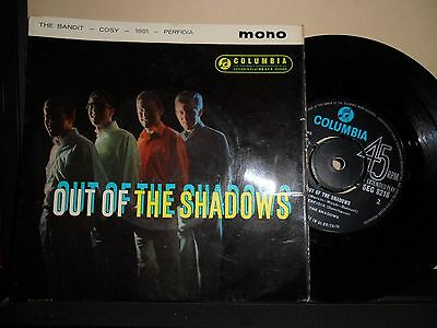 """The Shadows.out Of The Shadows,columbia.4 Track Ep.7"""" Vinyl.45Rpm"""