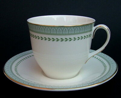 Vintage 1990's Royal Doulton Berkshire TC1023 Tea Cups & Saucers - Look in VGC