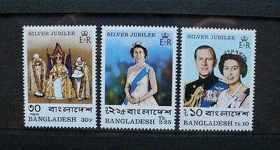 BANGLADESH 1977 QEII Silver Jubilee. Set of 3. Mint Never Hinged. SG93/95.