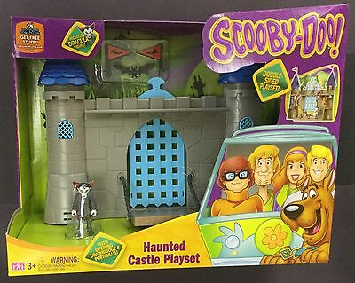 """Scooby-Doo HAUNTED CASTLE Dracula 2.5 """" MYSTERY MATES playset figure NEW house"""