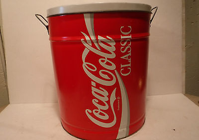 Vintage Coca~Cola Classic Metal Logo Advertising Tin Can W/Lid & Handles Coke