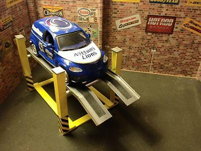 1/24 Scale 4 post garage ramp with Fixed height for garage diorama
