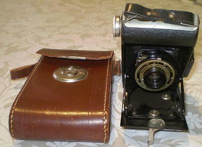 Vintage Kodak Folding Brownie Six-20 Bellows Camera With Leather Case