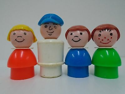 1972 Vintage Fisher Price Little People Houseboat Captain Dad Blue Hat Red Girl