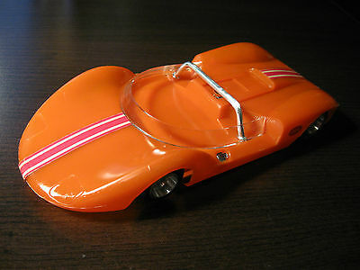Cox Orange LACUCARACHA LA CUCARACHA 1/24 Scale Slot cars