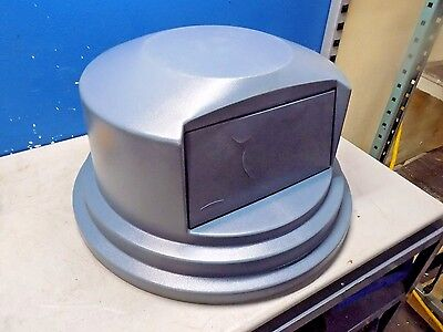 """Rubbermaid Round Trash Can Lid 27-1/4"""" Wide x 14-1/2"""" High FG265788GRAY"""