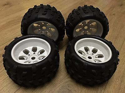 White Truggy 1/8 Monster Truck Wheels And Tyres 17mm Hex