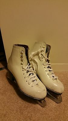 Youth Girl Ice Skate Size 1