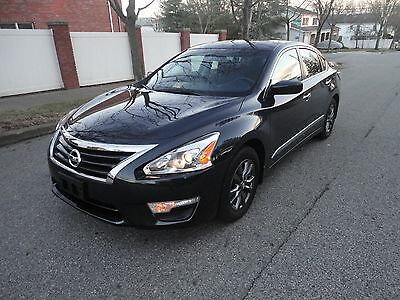 2015 Nissan Altima Special Edition 2015 NISSAN ALTIMA S LOW MILES NO RESERVE !!!!!