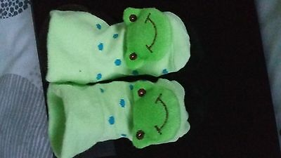socks 0-6 months bnwot frog design cute