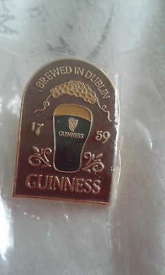 Guinness pub sign pin badge. New