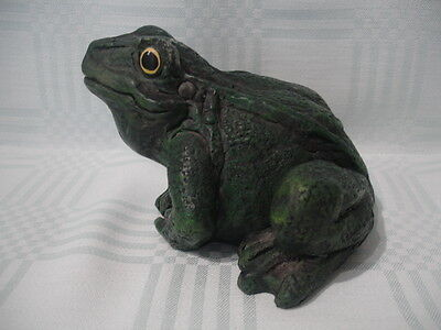 LARGE FROG FIGURE. COLOUR GREEN. HEIGHT 9cm. WEIGHT 700g