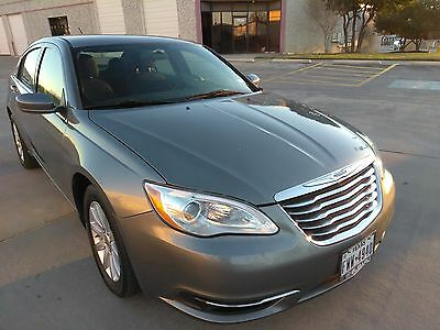 2012 Chrysler 200 Series VERY CLEAN NO RESERVE ! 2012 Chrysler 200 super clean ! NO RESERVE !