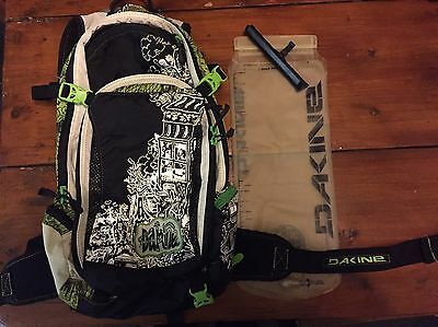 Dakine Nomad Mtb Trail Hydration Pack Mountain Bike