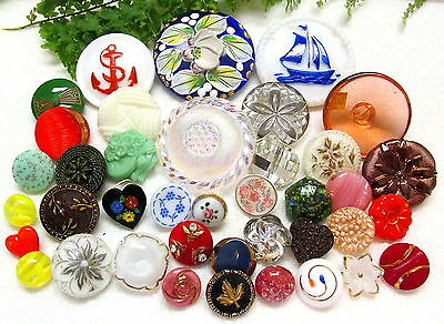 Gorgeous Lot Of Colorful Vintage Glass Buttons W49