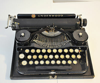 Underwood Portable Typewriter (3 bank model) Early 1920's Antique, Collectible