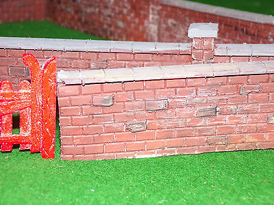 Garden Railway G Gauge 1.24th  Red Brick Wall Kit With Gates