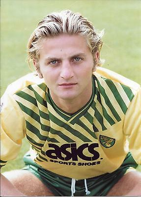 TIM SHERWOOD NORWICH  Photograph
