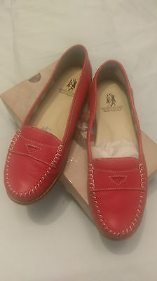 Ladies Leather Hush Puppies Flat Shoes - Like New