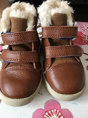 Baby Boys UGG Warm Shoes Size 5.