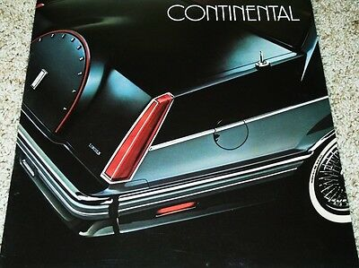 1982 Lincoln Continental Large Deluxe NOS Sales Brochure
