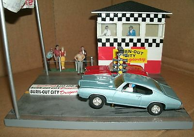 1/43 Pontiac GTO and Corvette Diorama Box Set  Ertl Cruisin Series Burn Out City