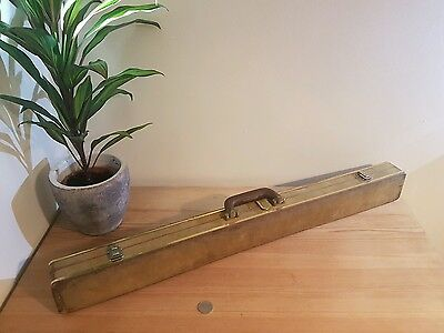 Vintage snooker cue and case