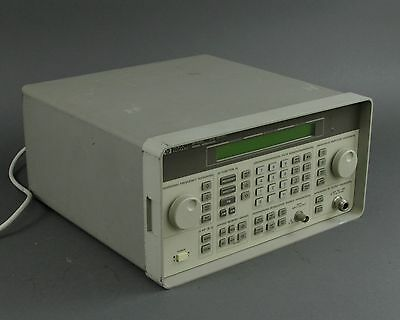 HP / Agilent 8648C Signal Generator w/ OPT. 1EA & 1E5 - 9kHz to 3.2GHz *TESTED*