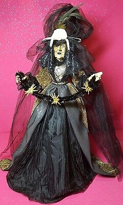 """24"""" Free-Standing Halloween Witch With Spider Garland Soft Sculpture Doll New"""