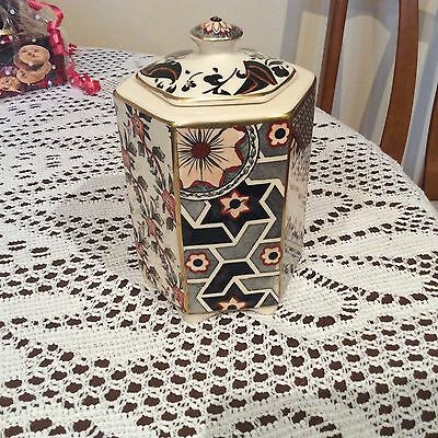 Mason's Ironstone  'Applique' Printed And Hand Painted Lidded Hexagonal Pot