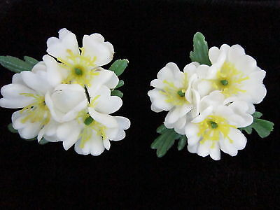 Showy Large White Plastic FLOWER EARRINGS Yellow Centers-Screw Back-Vintage