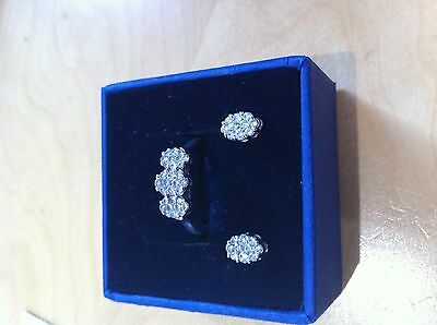 18ct diamond yellow gold cluster ring and earring set