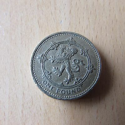Collectable and Rare One Pound Coin £1 coin SCOTLAND LION RAMPART