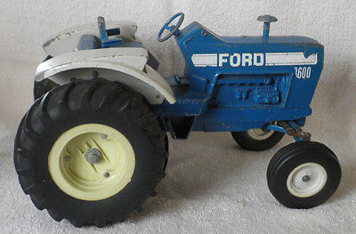 """Ertl Ford 8600 Tractor -12 1/2"""" Long"""