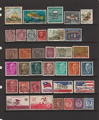 Worldwide mixed lot of 36 used stamps  ( Lot 52 )
