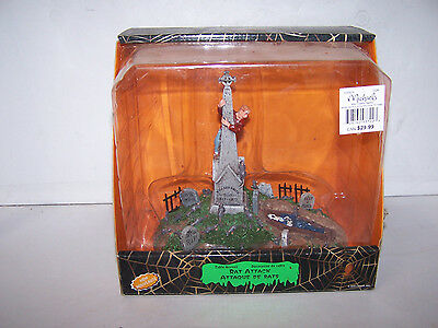 Lemax Spooky Town Halloween RAT ATTACK 93722 Retired Table Accent Accessory