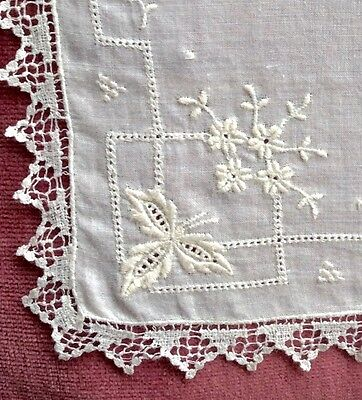 Vintage Hand Made Lace Handkerchief With Embroidery.