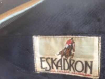 Eskadron lightweight stable rug 6' / 6'3 navy blue can be used as cooler travel