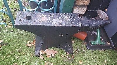 Blacksmiths anvil vintage anvil in used condition collection only from London