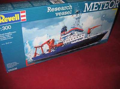 Revell® 05208 1:300 Research Vessel Meteor Neu