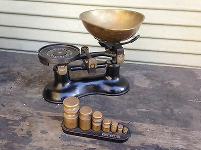 Vintage English Victor Black Kitchen Scale 7 Brass Weights On Victor Stand