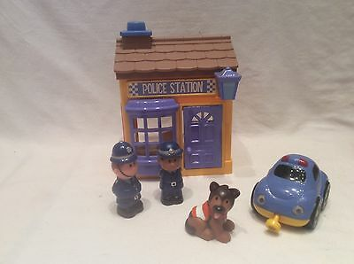 Elc Happyland  - Police Station With Magnetic Car & Figures