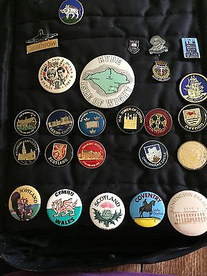 Vintage Lot of 90+ Travel Souvenir Pinbacks &  Buttons From Tourist Attractions